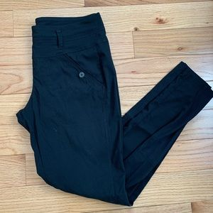 Lolë Gateway pants *updated fit* size small